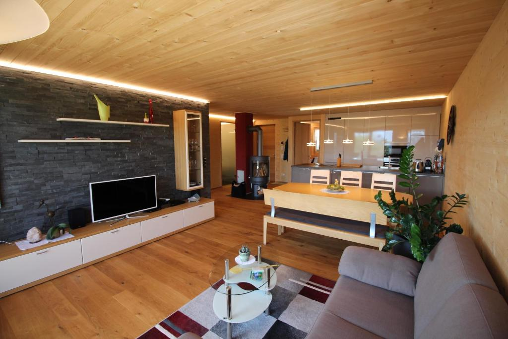 Ein Sitzbereich in der Unterkunft Ferienwohnung Feurle´s