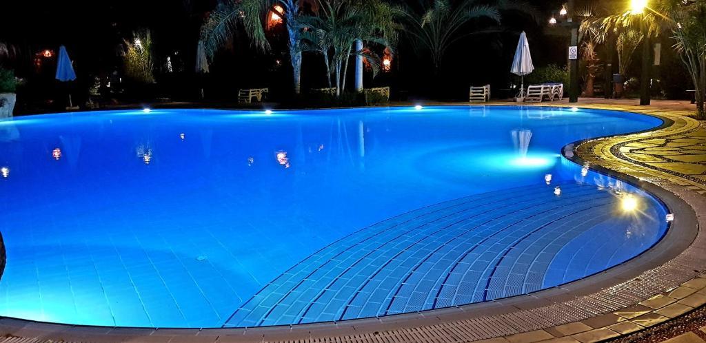 المسبح في Deluxe Apartment Delta Sharm أو بالجوار