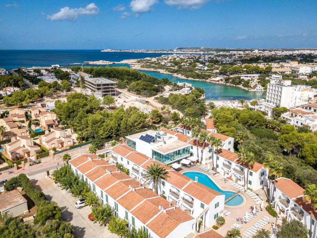 A bird's-eye view of Apartaments Cales de Ponent