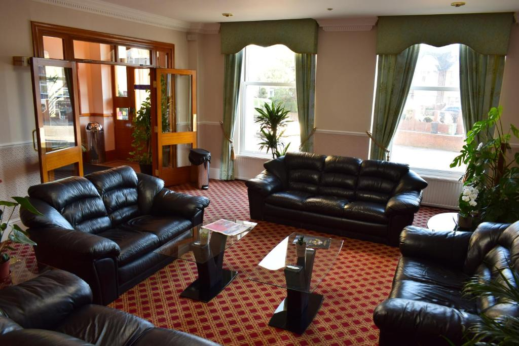 The lobby or reception area at Leigham Court Hotel