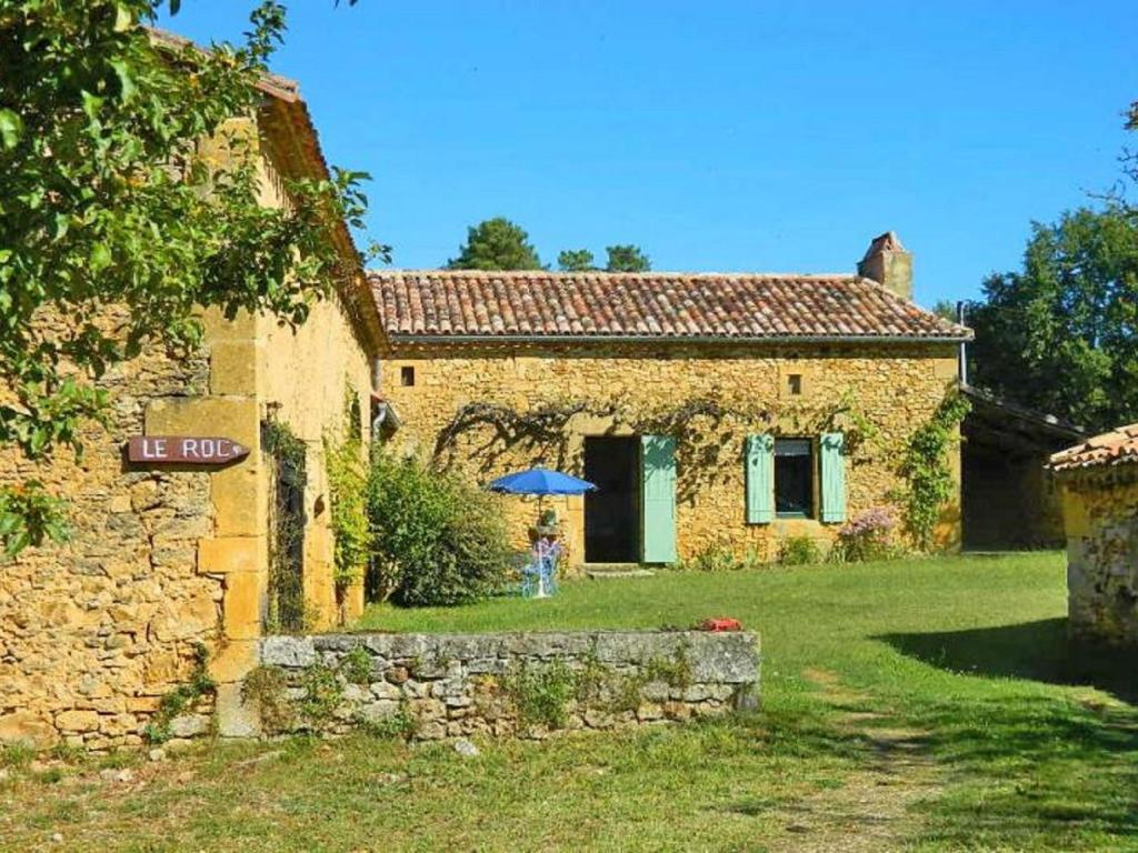 Cosy Holiday Home in Sainte-Croix with Garden
