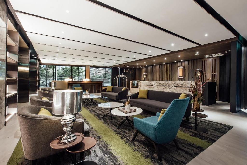 The lobby or reception area at Harbour 10 Hotel