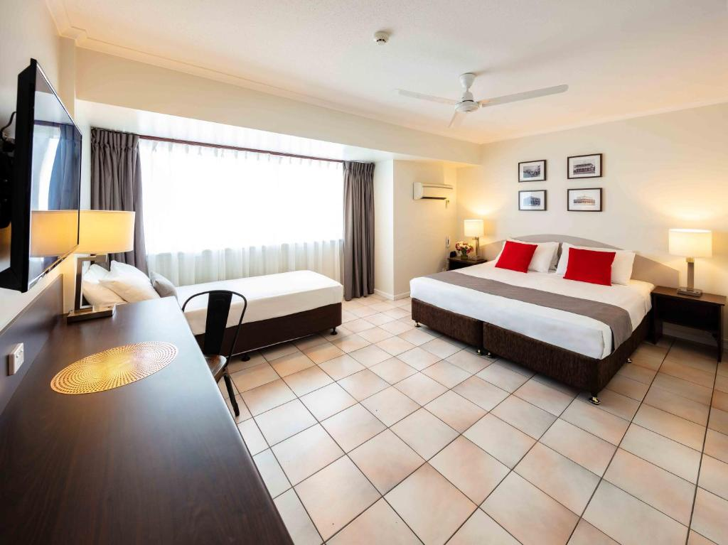 Hides Hotel Cairns - Laterooms