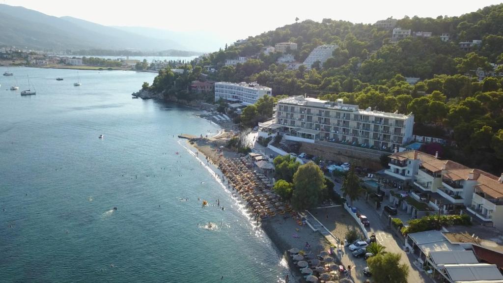 Άποψη από ψηλά του New Aegli Resort Hotel