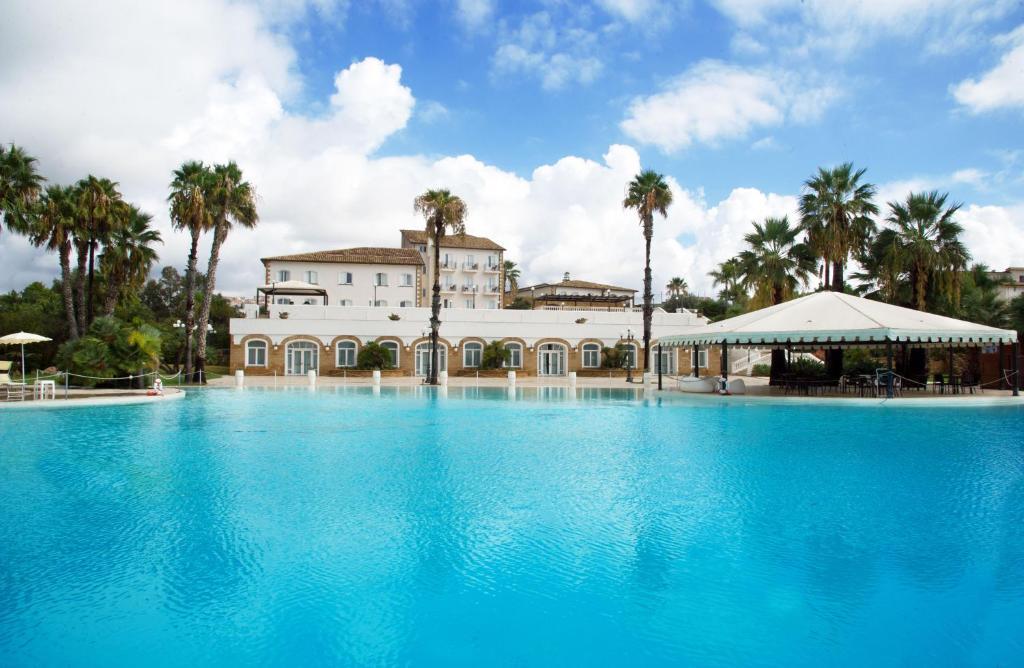 Piscina di iH Hotels Agrigento Kaos Resort o nelle vicinanze