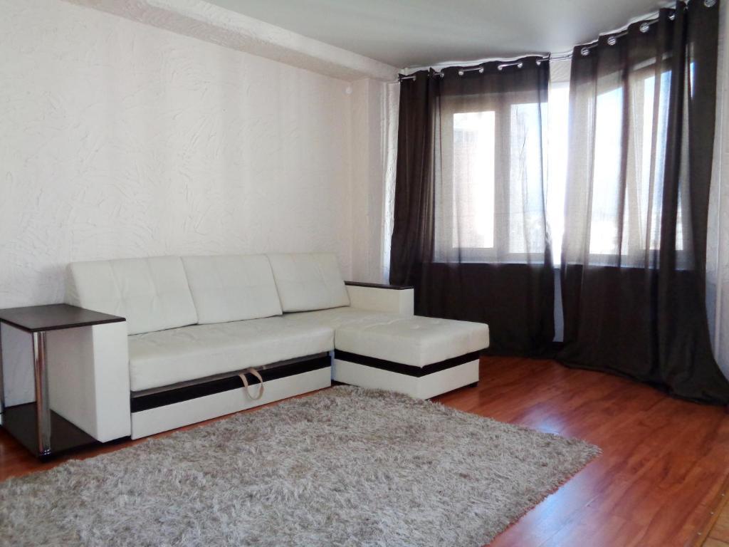 Гостиная зона в Apartments at Karla Marksa 21