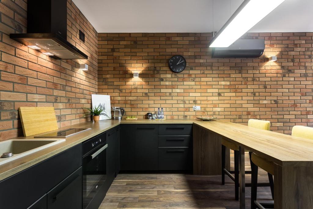 A kitchen or kitchenette at Premium Family&Friends