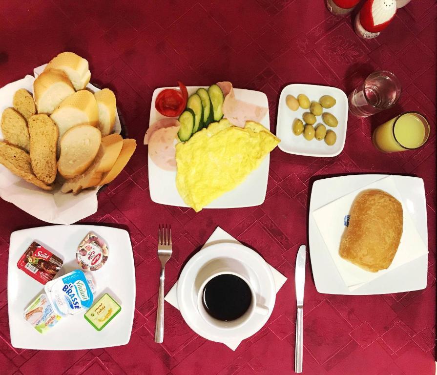Options de petit-déjeuner proposées aux clients de l'établissement Pacha hotel