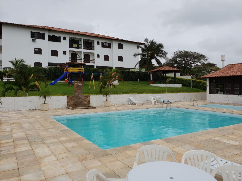 A piscina localizada em Cantinho do Village ou nos arredores