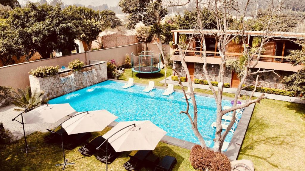 A view of the pool at Hotel Campo & Leña or nearby