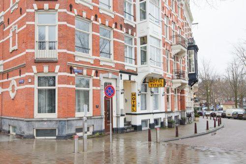 Hotel Titus - Laterooms