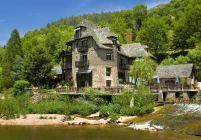 Hotel-Restaurant Herve Busset - Domaine de Cambelong Conques, France