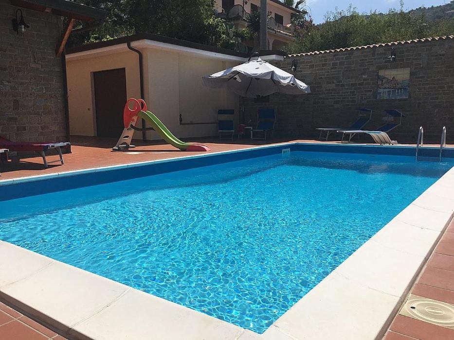 The swimming pool at or close to Santa Maria Villa Sleeps 8 Pool Air Con WiFi