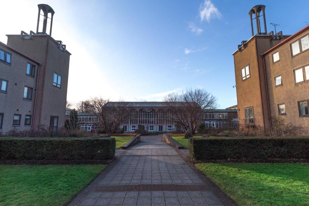 Pollock Halls - Edinburgh First - Laterooms