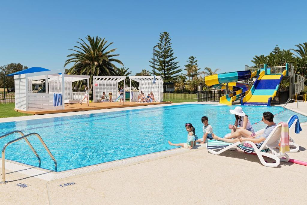 The swimming pool at or close to The Retreat West Beach Parks