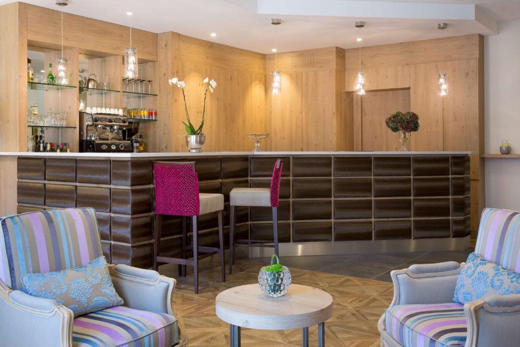 Best Western Plus Hotel Le Rive Droite & SPA Lourdes, France