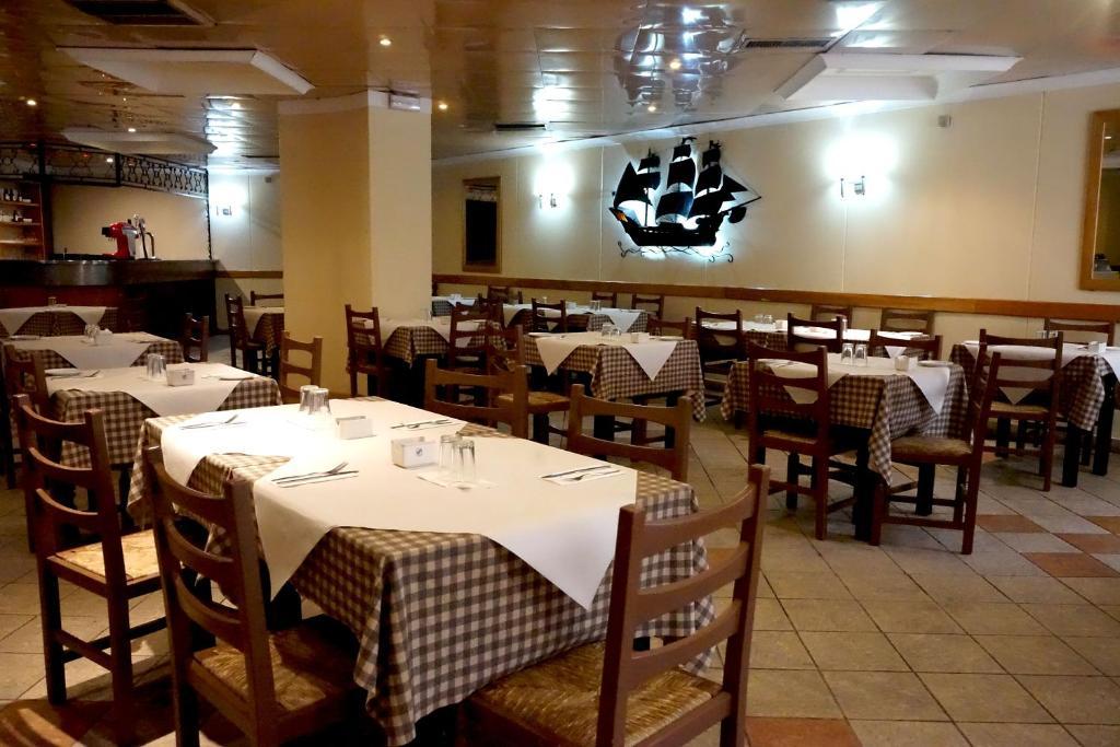 Un restaurant sau alt loc unde se poate mânca la The Bugibba Hotel