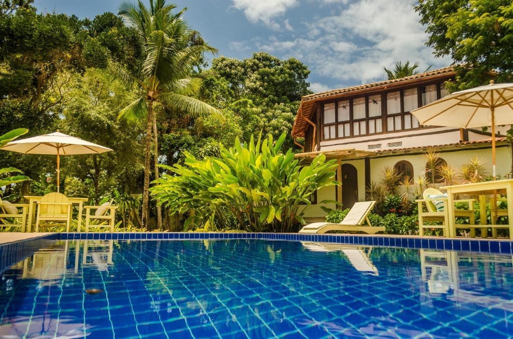A piscina localizada em Pousada Villa Bahia ou nos arredores