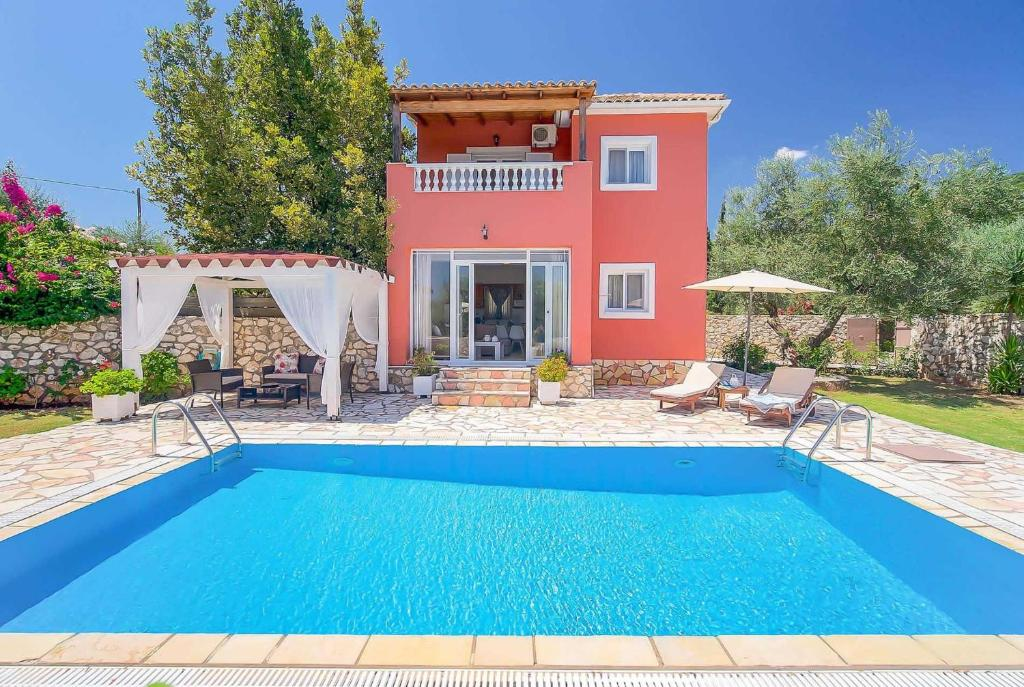 The swimming pool at or near Marina Epavlis