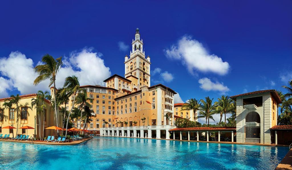 A piscina localizada em Biltmore Hotel ou nos arredores