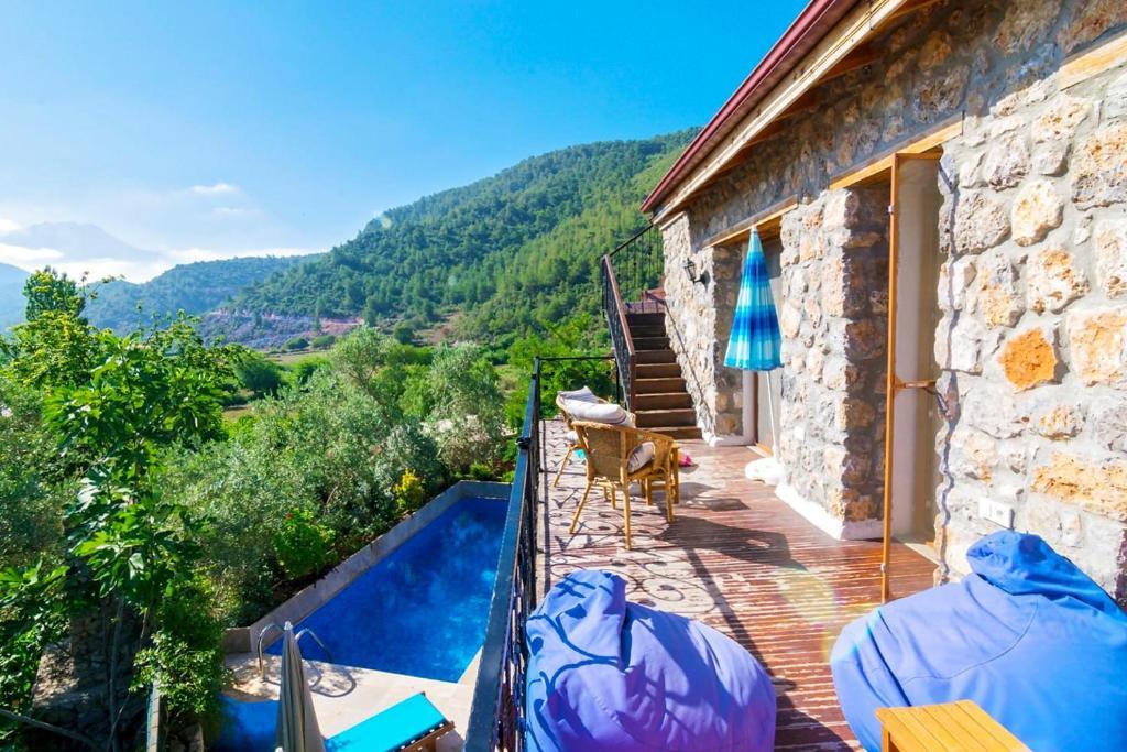 Kinali Villa Sleeps 6 Pool Air Con WiFi