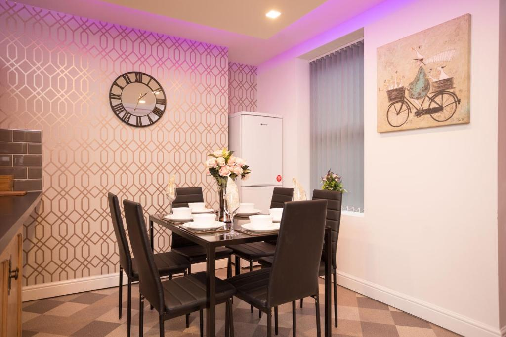Rasmus Living Luxury Apartments - Laterooms