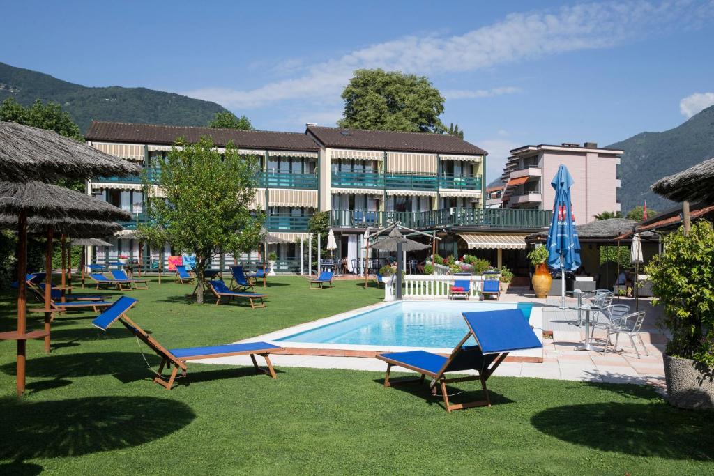 The swimming pool at or near Hotel Garni Tiziana