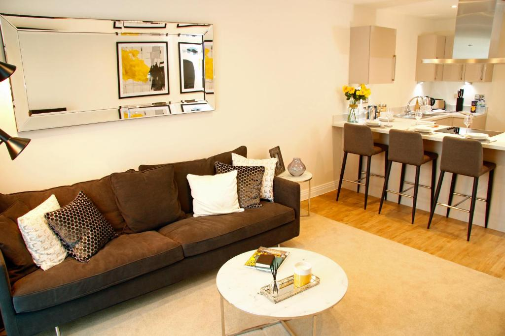 A seating area at Portfolio Apartments - Welwyn Business Park