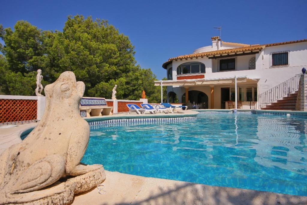Piscina en o cerca de Denia Villa Sleeps 8 Pool Air Con WiFi