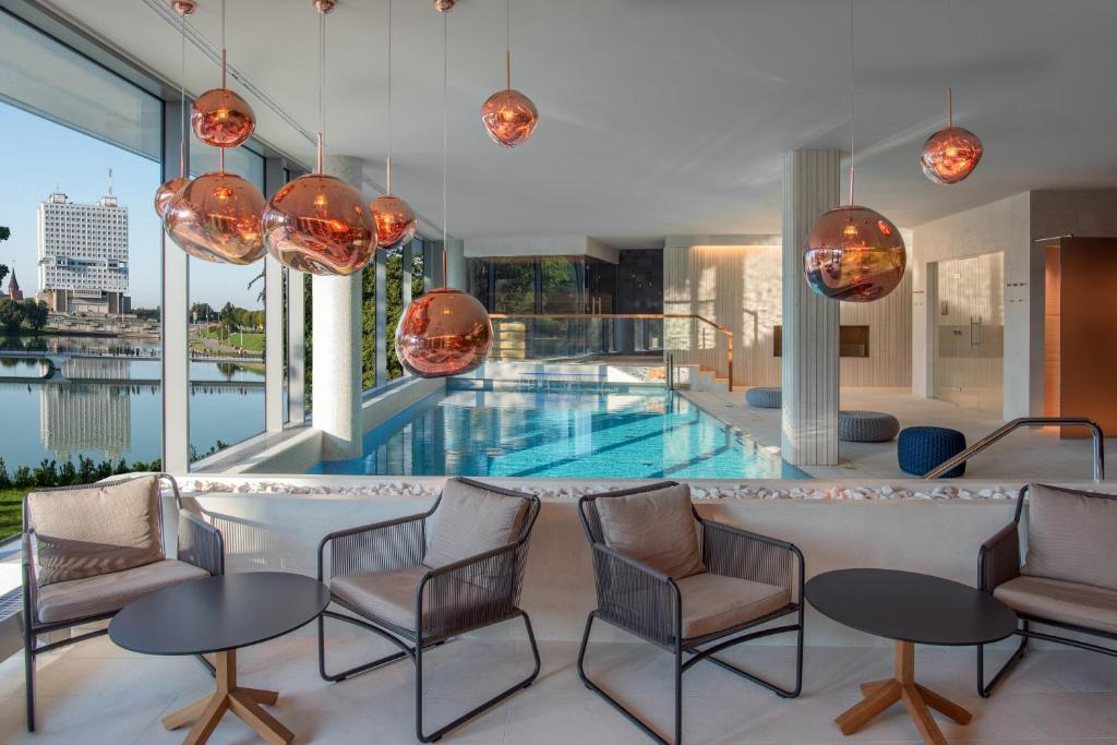 The swimming pool at or close to Crystal House Suite Hotel & SPA
