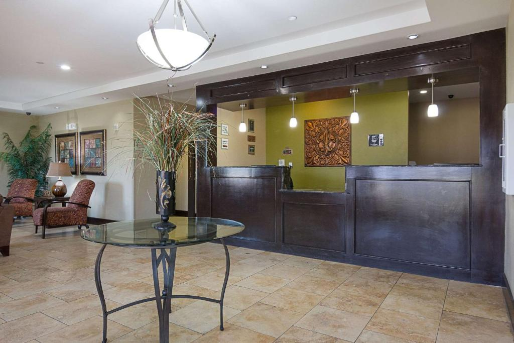 The lobby or reception area at Rodeway Inn Winnfield
