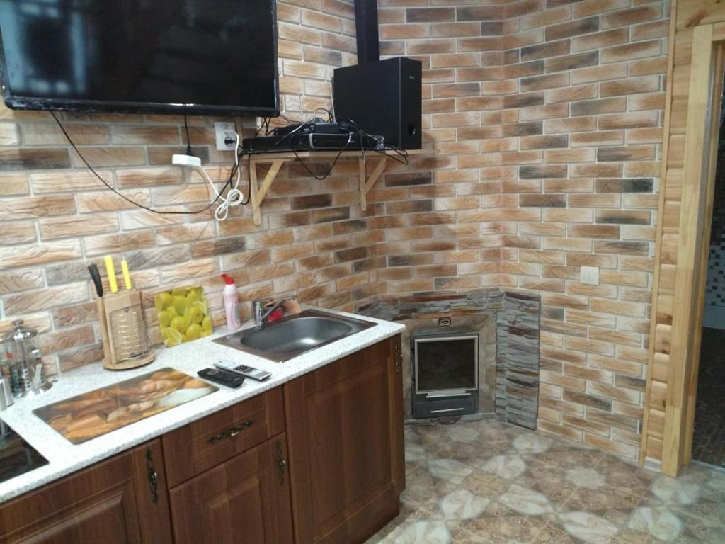 Кухня или мини-кухня в коттедж