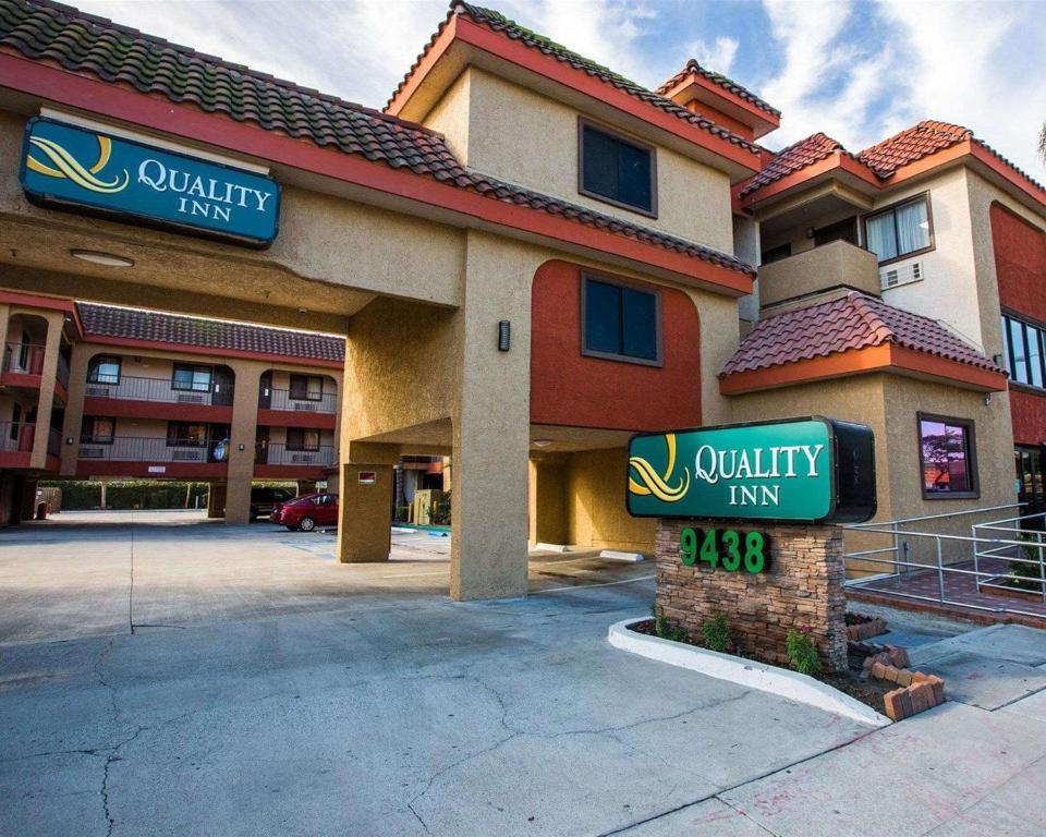 The Quality Inn Downey.