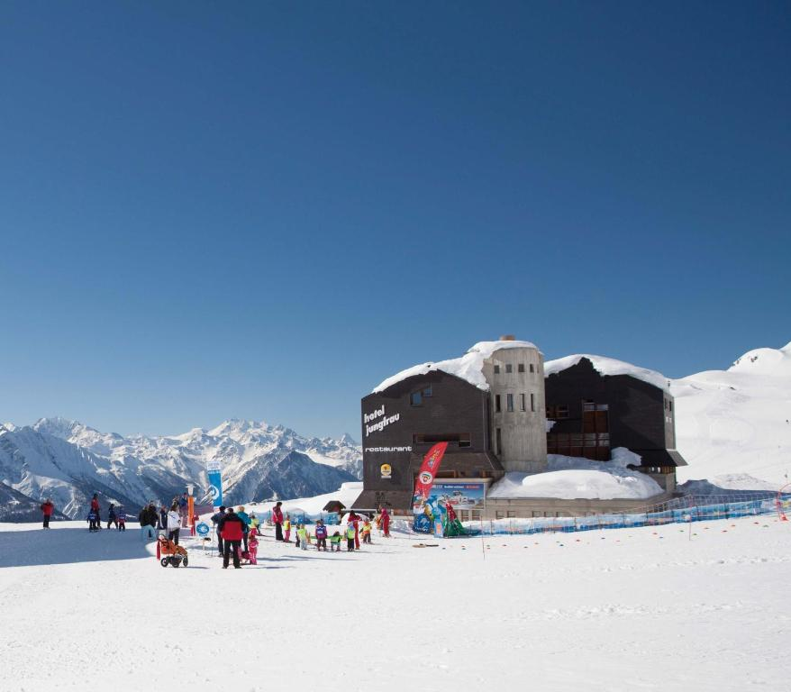 Hotel Jungfrau during the winter