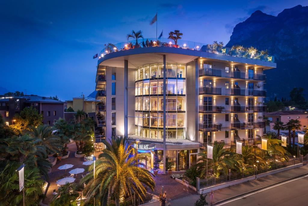 Hotel Kristal Palace - TonelliHotels Riva del Garda, Italy