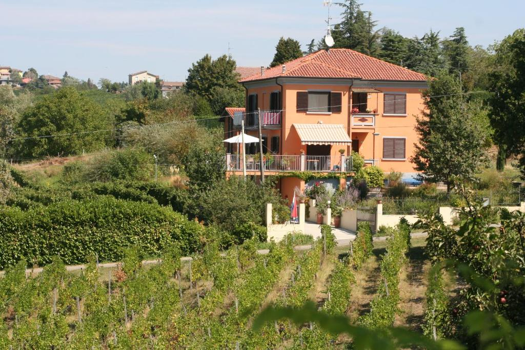 Villa I Due Padroni - Appartement Cantinetta, Montecalvo Versiggia –  Bijgewerkte prijzen 2021