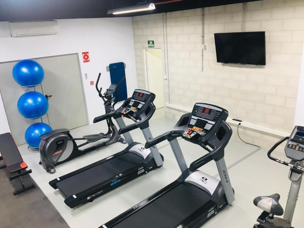 The fitness center and/or fitness facilities at Oca Puerta del Camino Hotel