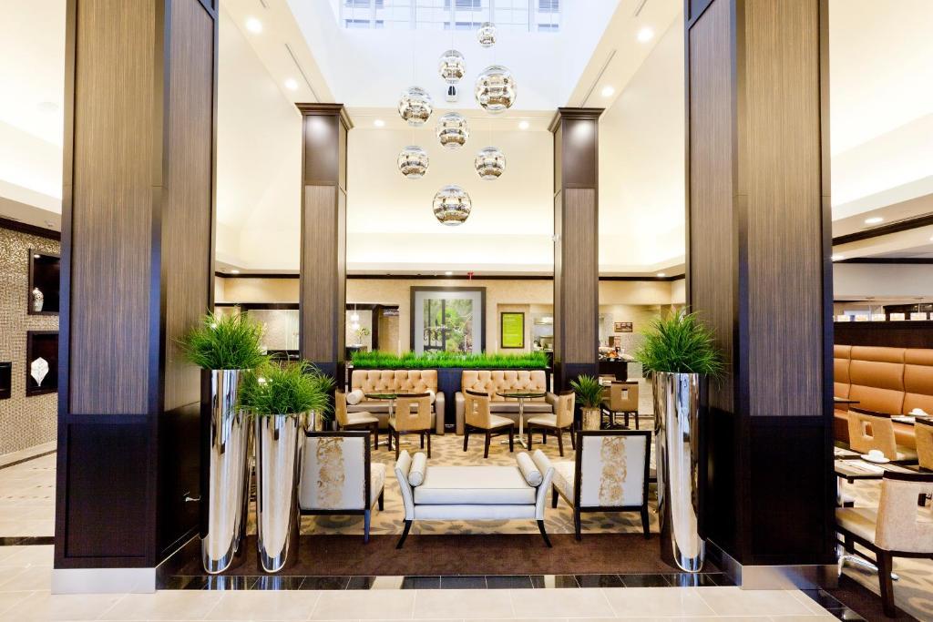 A restaurant or other place to eat at Hilton Garden Inn Toronto/Brampton
