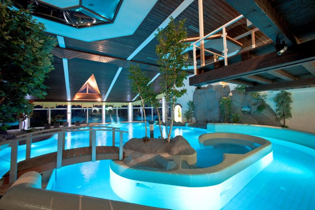 The swimming pool at or near Göbels Hotel Rodenberg