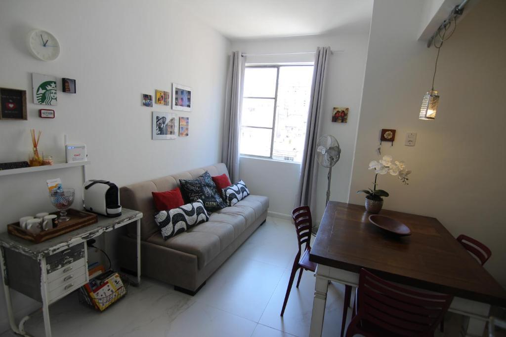 Uma área de estar em Sweet Home Porto Alegre