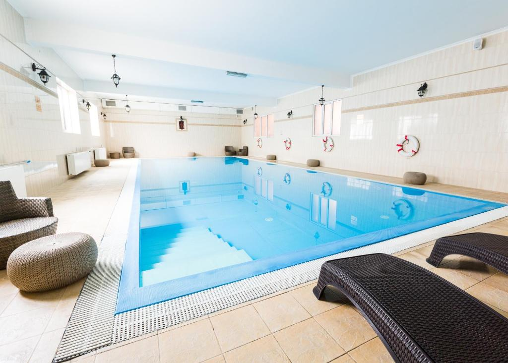 The swimming pool at or close to Prawdzic Resort & Conference