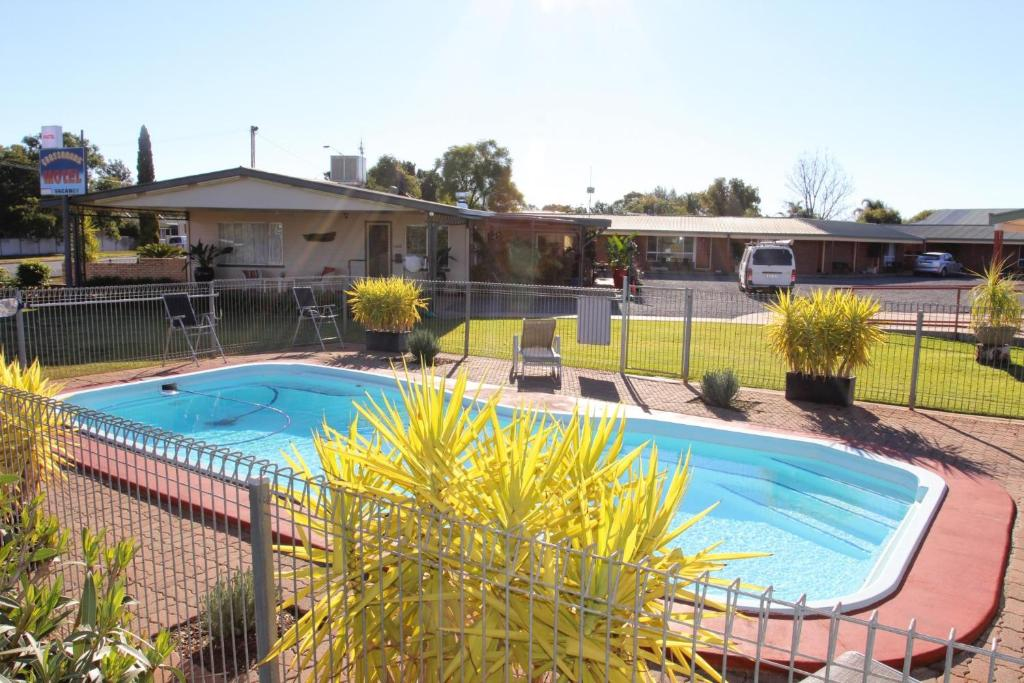 The swimming pool at or near cross roads motel