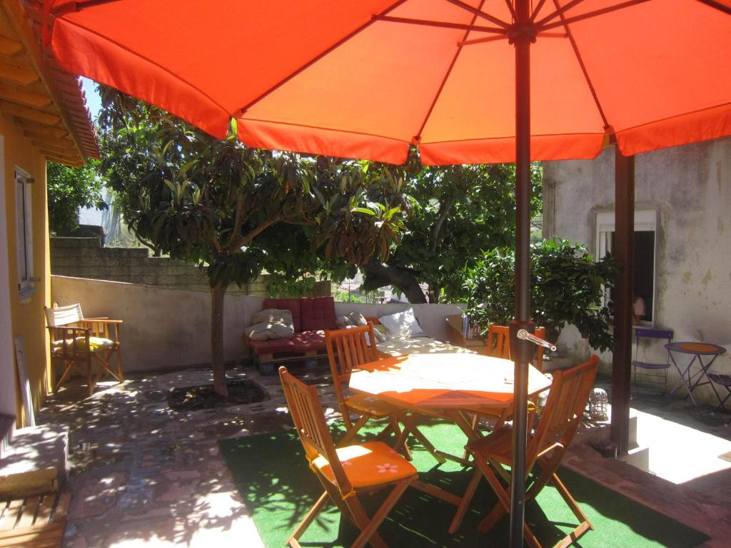 A restaurant or other place to eat at Casas Botelho Elias