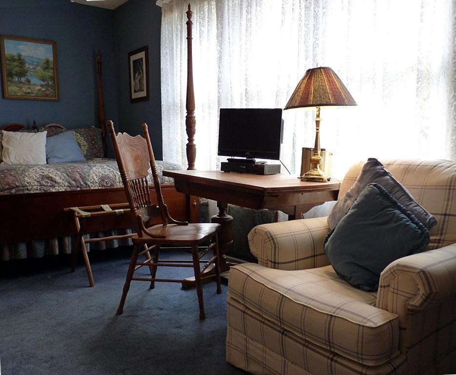 A seating area at Strickland Arms Bed and Breakfast