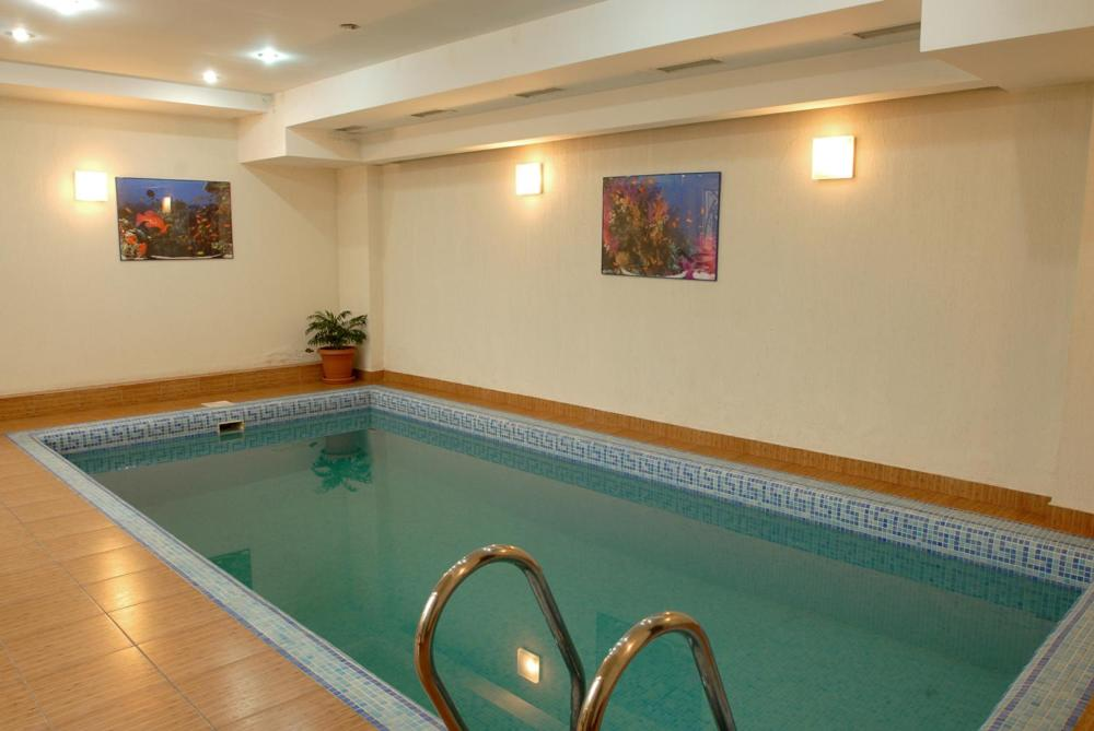 The swimming pool at or near Hotel Vedzisi