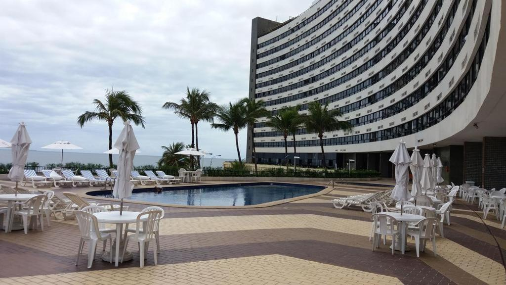 The swimming pool at or close to Condominio Ondina Residence