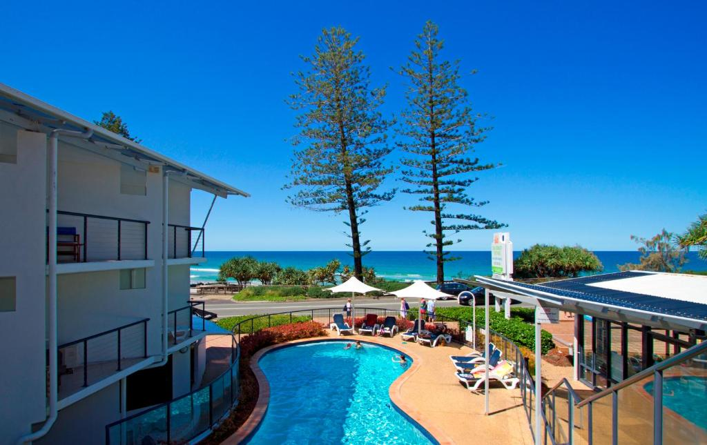 A view of the pool at The Beach Retreat Coolum or nearby