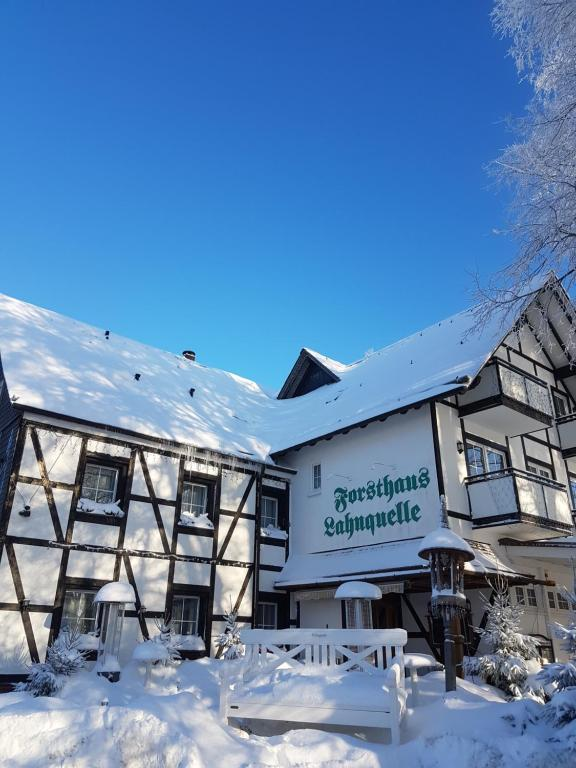 Hotel - Restaurant - Café Forsthaus Lahnquelle during the winter