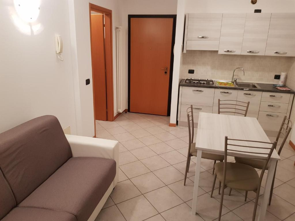 A kitchen or kitchenette at Casa Sabrina