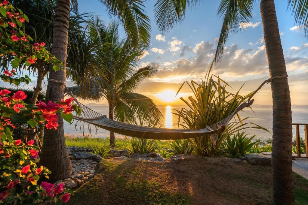 Lever ou coucher de soleil vu de le complexe hôtelier ou à proximité